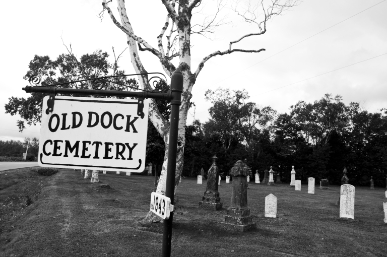 old-dock-cemetary